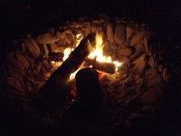 焚き火は心和みます